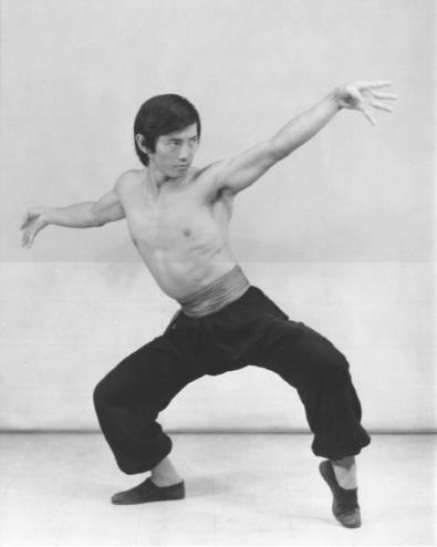 Sifu Tai Yim Performing the Traditional Hung Fu Eagle Wing Salute Stance